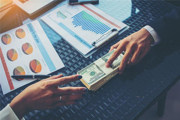 株洲市为何第一个月等额本金还款要多还一千元?等额本金还款和等额本息还款的差别